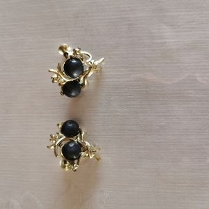 Vintage Gold Toned Blue Beaded Screw On Earrings
